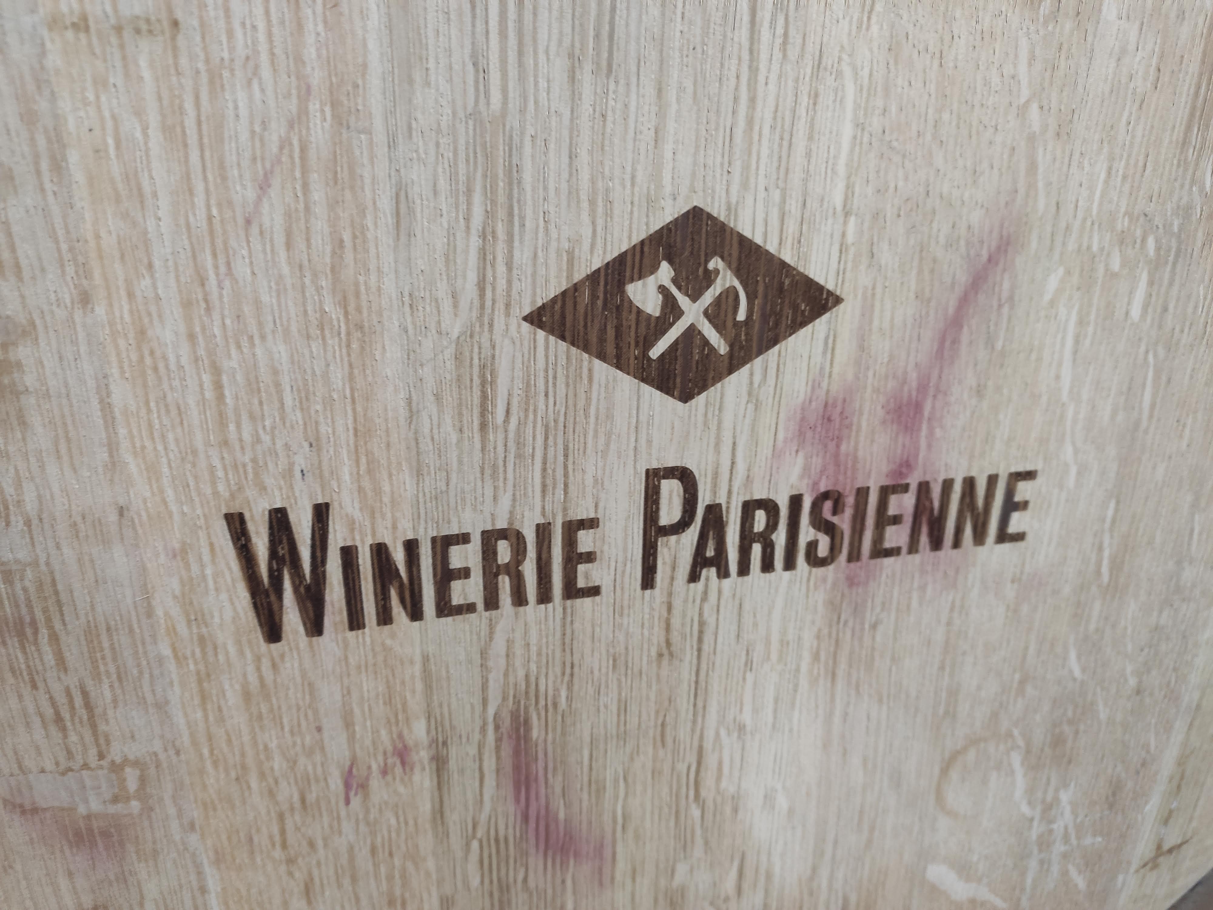Winerie Parisienne logo